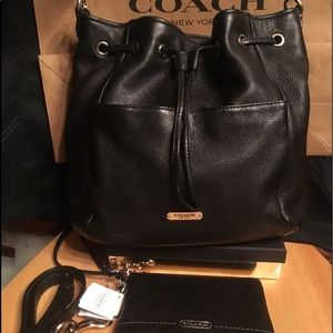 Coach Avery Pebbled leather drawstring +wallet SET